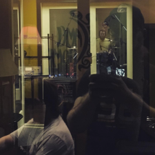 Dave in yellow recording